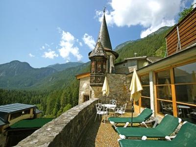 Hotel Schloss Fernsteinsee Schloss_terrasse