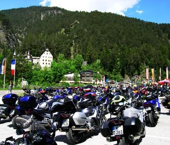 Motorrad im Naturresort Fernsteinsee